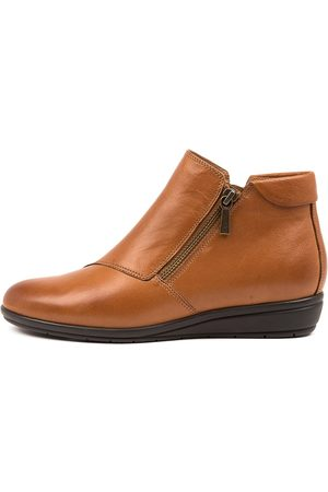SUPERSOFT Feyre Su Dk Tan Boots Womens Shoes Casual Ankle Boots
