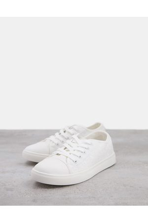 Accessorize Sneakers in white broderie anglais