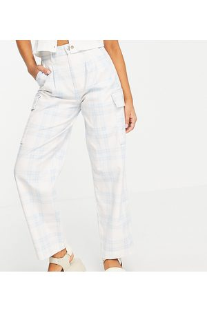 ASOS ASOS DESIGN Petite pleat front chino with cargo pockets in pastel check-Blue