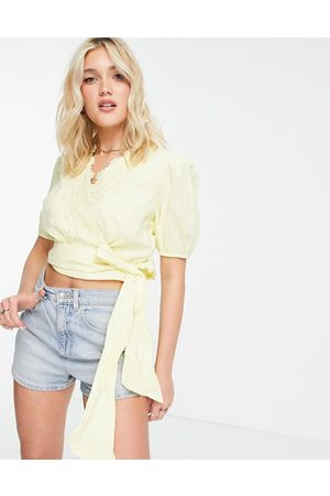 HOPE & IVY Bow Ties - Volume sleeve broderie wrap top with bow tie in lemon-Yellow