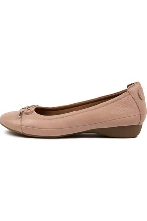 SUPERSOFT Women Casual Shoes - Embark Blush Shoes Womens Shoes Casual Flat Shoes