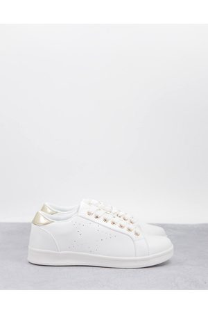 Accessorize Sneaker with star detail in white