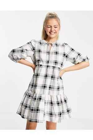 New Look Tie-neck poplin smock dress in white check