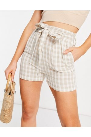New Look Gingham tie waist shorts in camel check-Brown
