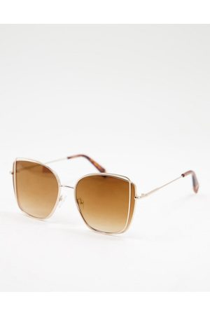 Jeepers Peepers Women's oversized square sunglasses in gold