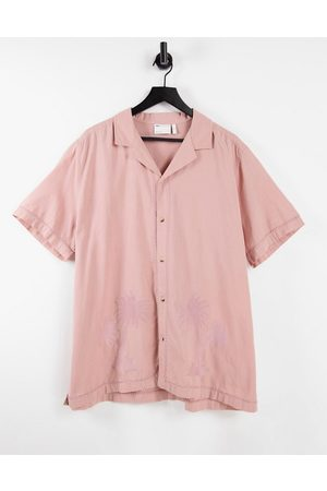 ASOS Shirts - Regular revere linen look shirt in dusty pink with tonal palm embroidery