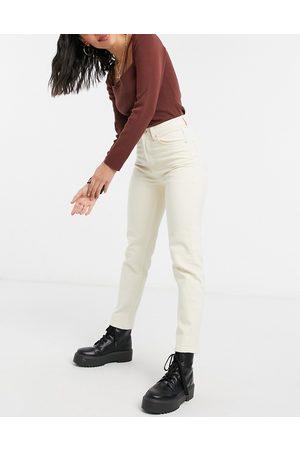 Stradivarius Women Slim - Slim mom jeans with stretch in ecru-White