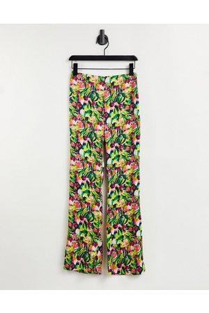 Liquorish High waist pants co-ord in floral print-Multi