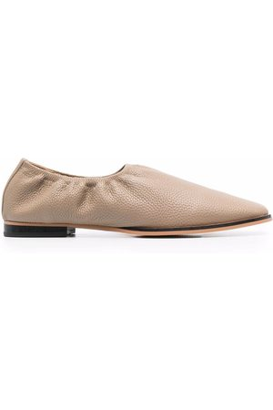 12 STOREEZ Grained leather loafers