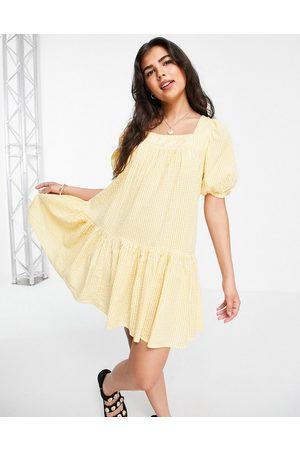 New Look Women Printed Dresses - Seersucker square neck tiered mini dress in yellow pattern