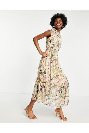HOPE & IVY High-neck flutter sleeve midaxi dress in printed floral-Multi