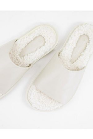 Truffle Collection Fur footbed sliders in cream-White