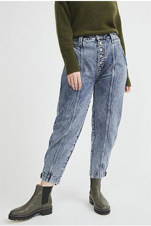WITCHERY Seam Detail Tapered Jean