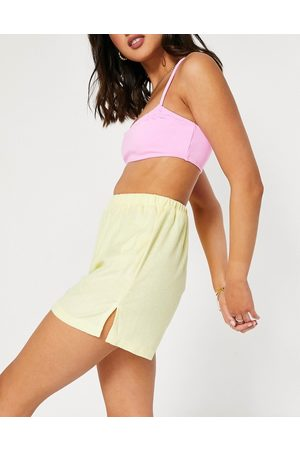Missguided Co-ord towelling shorts in lemon