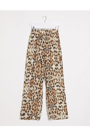 Missguided Beach cover up pants in leopard print