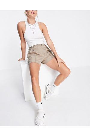 Topshop Pintuck woven shorts in -Brown