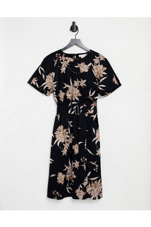 warehouse Sylvie floral belted dress in