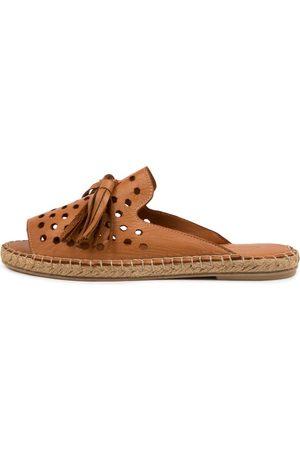 Diana Ferrari Pamil Df Tan Sandals Womens Shoes Casual Sandals Flat Sandals