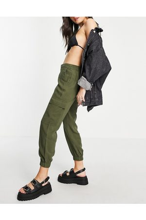 ONLY Cargo pants in -Green