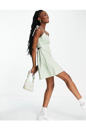 Daisy Street Mini cami dress with tie straps in -Green