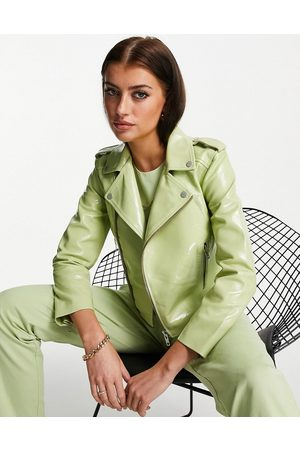 Muubaa Cropped patent leather jacket in green