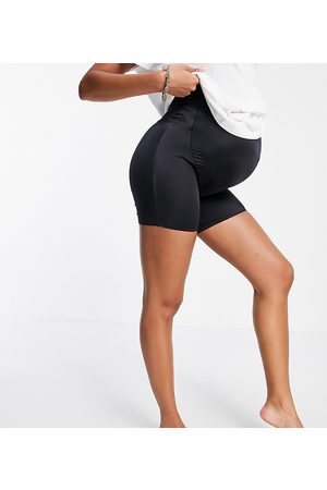 ASOS ASOS DESIGN Maternity smoothing over the bump shorts in