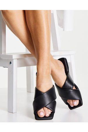 Schuh Tania leather cross front slide in