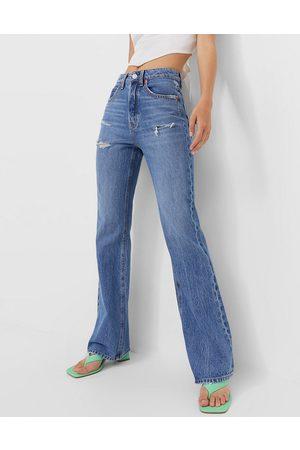 Stradivarius Ultimate authentic flare jeans in medium