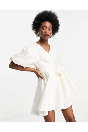 Forever New Tie-waist cotton poplin mini dress with oversized sleeve in white