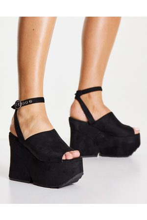 Lamoda Platform heel sandals with cleated sole in black