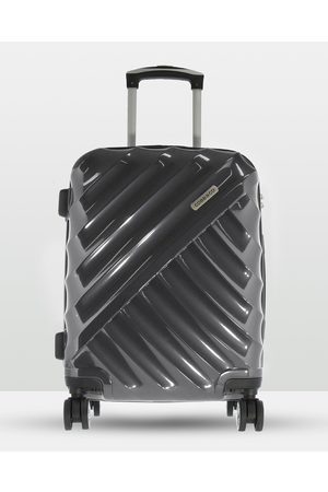 Cobb & Co Bendigo Polycarbonate Medium Hard Side Case - Travel and Luggage Bendigo Polycarbonate Medium Hard Side Case