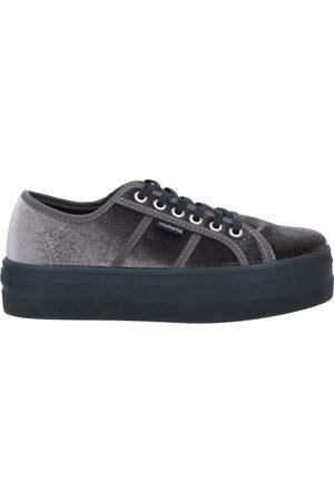 VICTORIA Sneakers