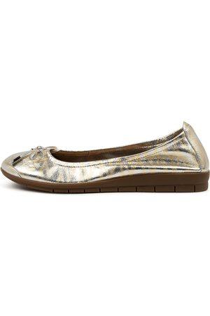 SUPERSOFT Flex3 Su Lines Gum Sole Shoes Womens Shoes Casual Flat Shoes