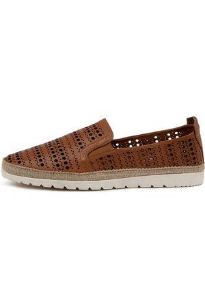 DIANA FERRARI Women Casual Shoes - Aymah Df Dk Tan Shoes Womens Shoes Casual Flat Shoes