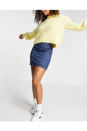 ASOS DESIGN Denim side pocket skirt in -Blue