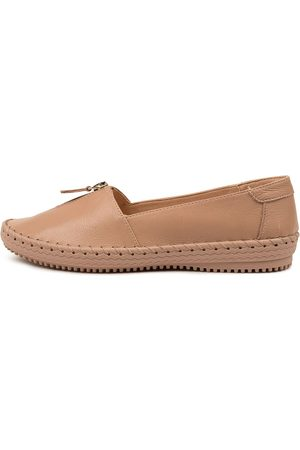 SUPERSOFT Wandie Su Latte Shoes Womens Shoes Casual Flat Shoes