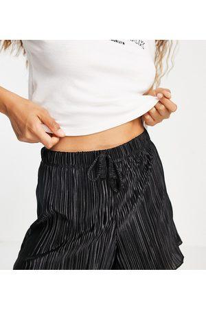 Topshop Plisse shorts in