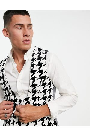 Twisted Tailor Waistcoat in with oversized houndstooth design