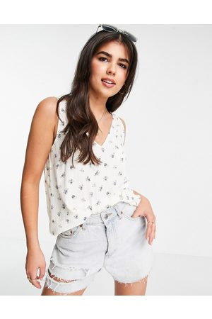 Pieces Sleeveless v-neck t-shirt in -Multi