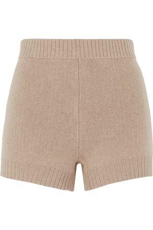 8 Shorts & Bermuda Shorts