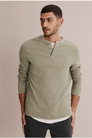 COUNTRY ROAD Long Sleeve Waffle Henley - Faded Moss