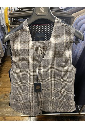 Guide London Cream With Navy & Brown Prince of Wales Check Suit Waistcoat