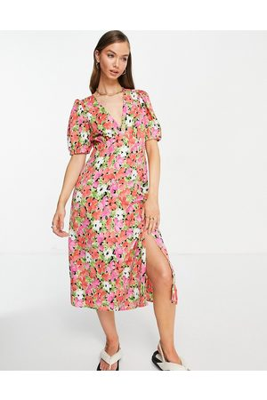 Vila Midi tea dress with v-neck in bright floral-Multi