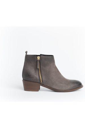 Cara Women Boots - Saluki Boot