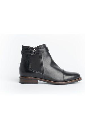 Cara Jump Boot