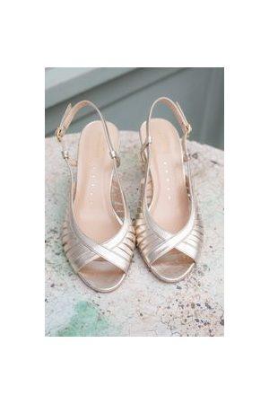 Petite Mendigote Renato foil champagne shoes