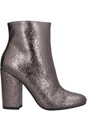 COLORS OF CALIFORNIA Women Ankle Boots - Ankle boots