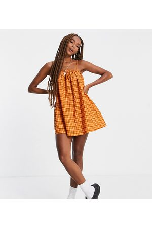 COLLUSION Linen summer dress in 70s gingham print