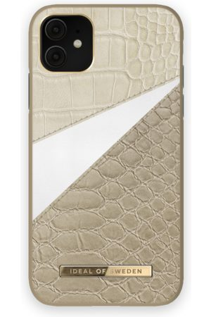 Ideal of sweden Atelier Case iPhone 11 Wild Cameo
