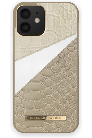 Ideal of sweden Atelier Case iPhone 12 Wild Cameo